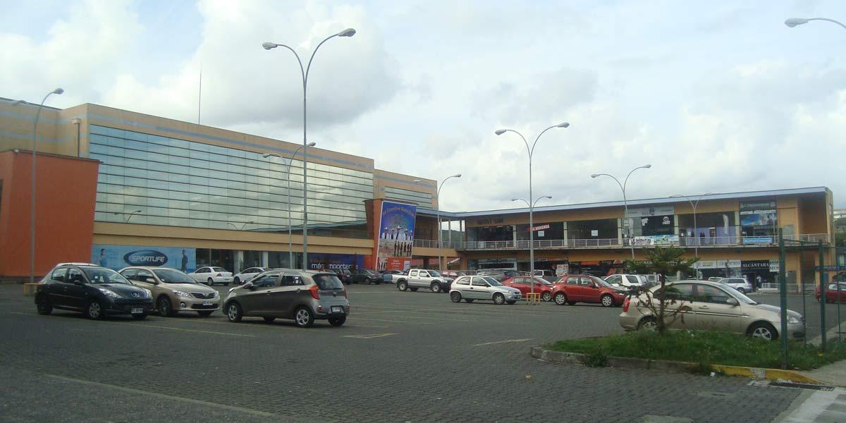 Panorámica del Arena Puerto Montt y el Centro Cormercial